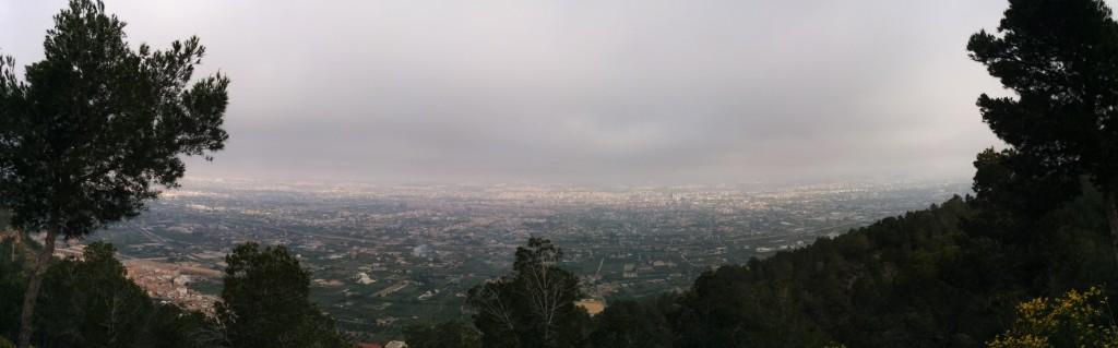 Murcia von den Bergen aus gesehen